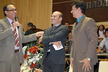 Pr. daniel Vieira, apresentando a dupla Joel e Jânio