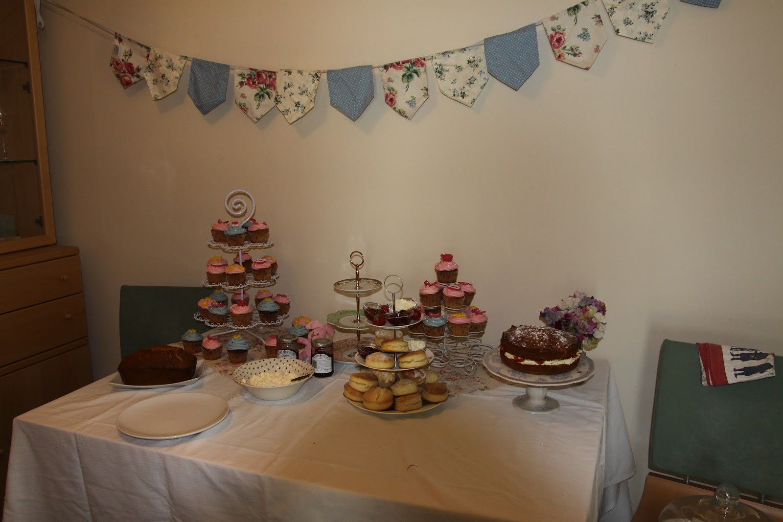 And the Little Munchkin makes Three: Baby Billings Baby Shower at 32 ...