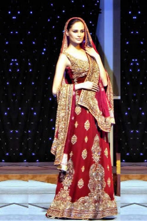 Red-Bridal-Dresses-in-Pakistan4.jpeg 500×750 pixels - South Asian ...