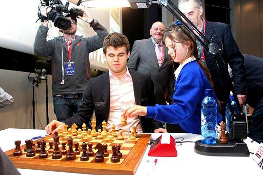 Le joueur d'échecs Français Maxime Vachier-Lagrave bat Topalov et pointe à la 9ème place mondiale au Elo instantané, son meilleur classement