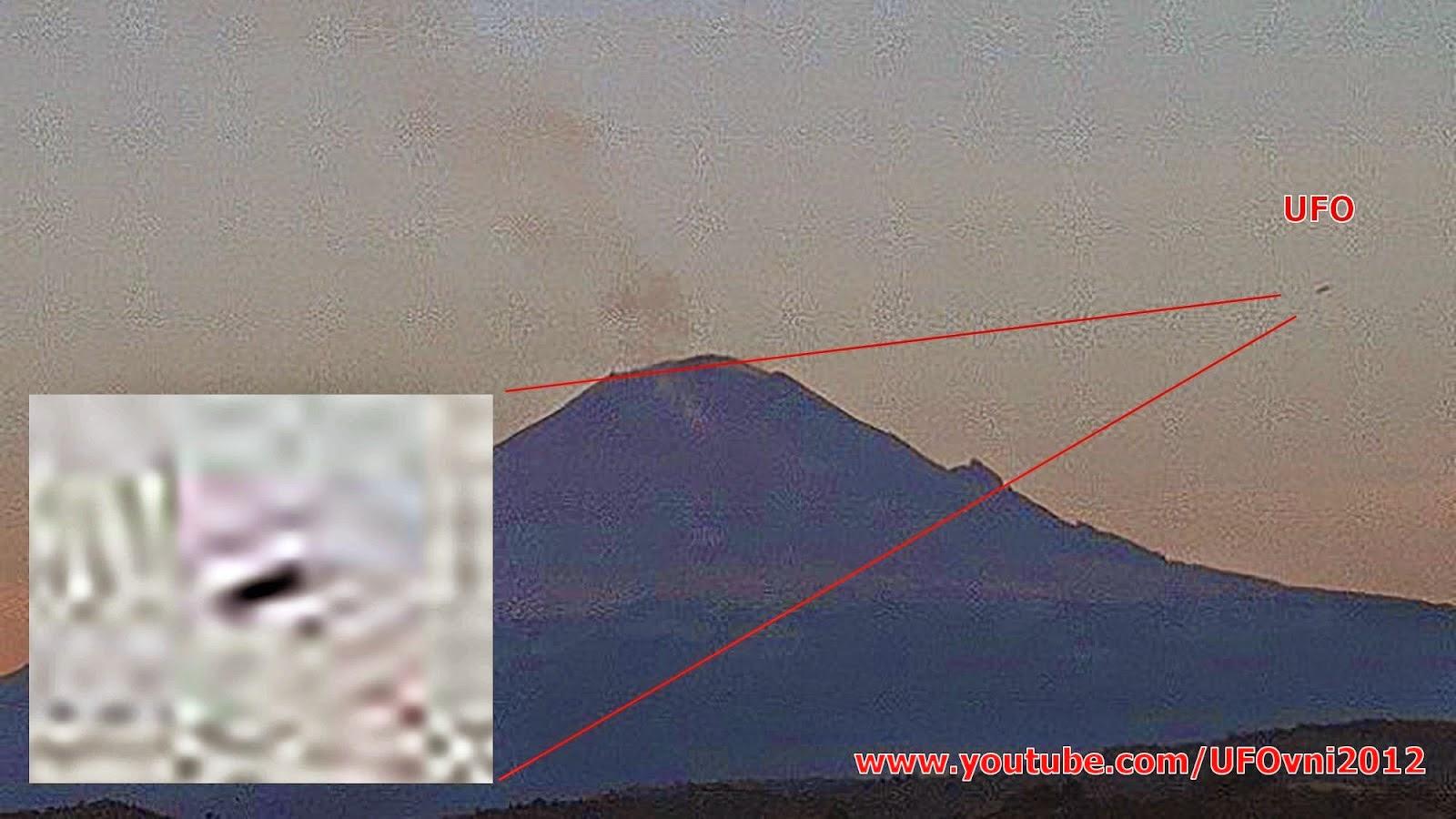 OVNI au-dessus Popocatepetl MEXICO, le 30 novembre 2014 - 06:44