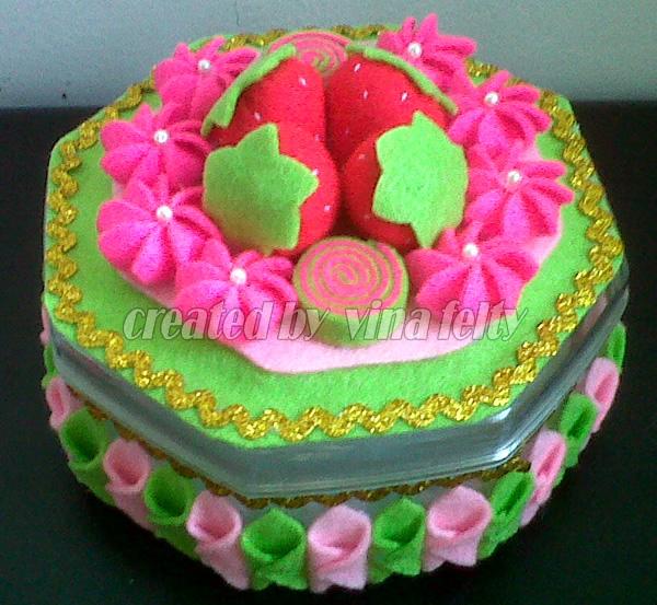 dengan model cake flanel ketupat flanel dan beberapa model yang