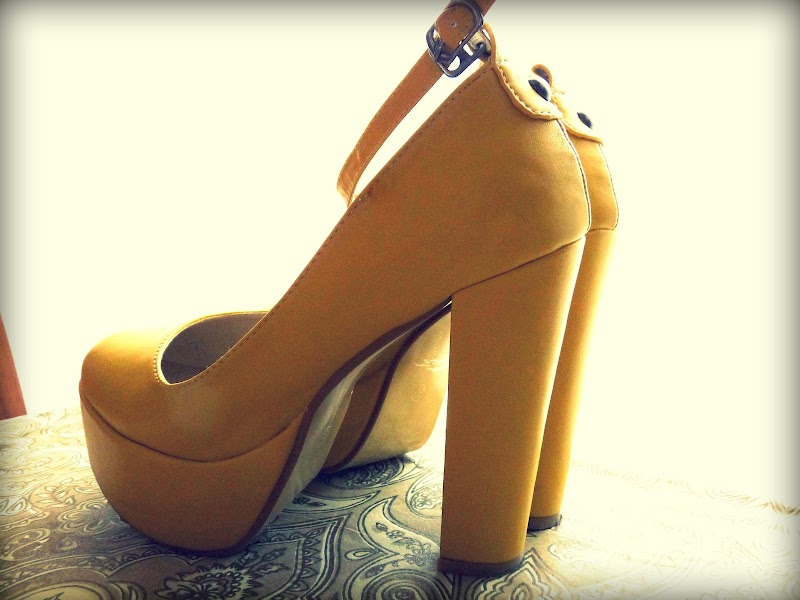 PREVIEW. YELLOW SHOES