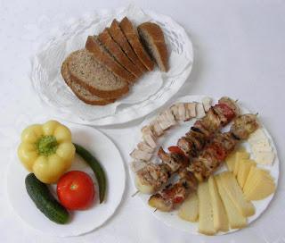 frigarui, frigarui de porc cu ciuperci si legume, retete culinare, frigarui de porc, frigarui la gratar, frigarui de porc cu legume, frigarui cu carne si legume, frigarui cu carne de porc si legume, preparate culinare, retete pentru gratar, retete cu porc, preparate din porc, retete cu carne de porc, food, recipes, retete frigarui, reteta frigarui, gratar, mancare sanatoasa,
