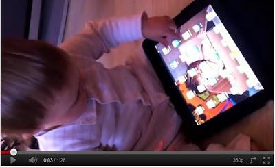 超可愛科技寶寶!女童猛點雜誌誤當iPad用