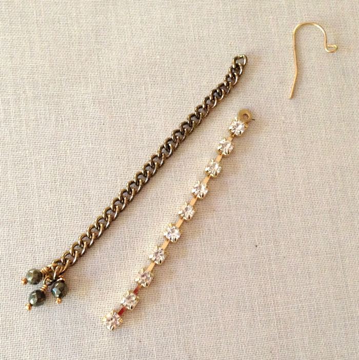 These earrings are so simple to make (takes less than 30 minutes) but perfect for holiday giving!