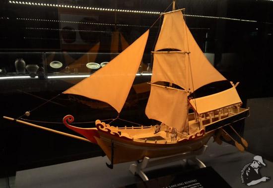 Model Kapal Lanchang Kuning