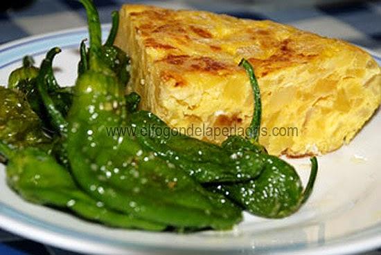 Tortilla de patatas con cebolla
