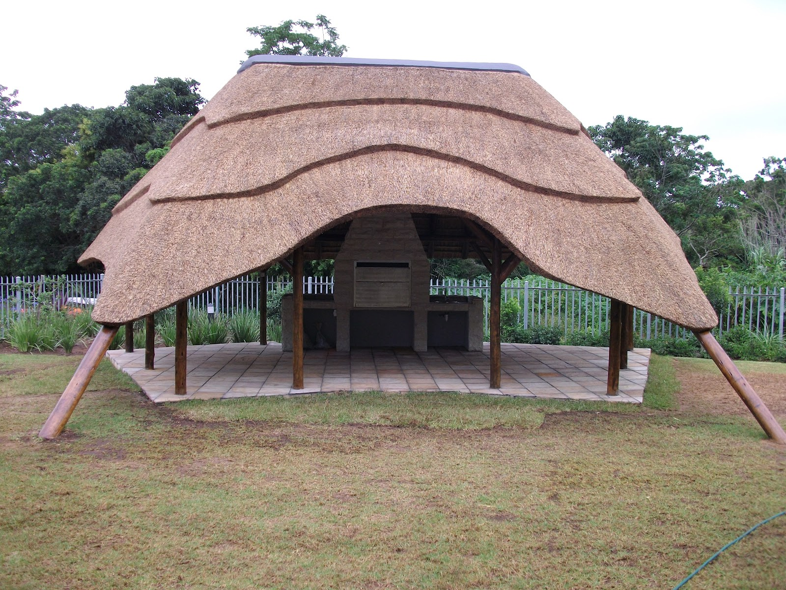 at entrance and layered thatch effect - Thatch Roof Designs