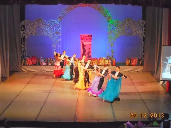 Spectacol de Craciun in pasi de dans