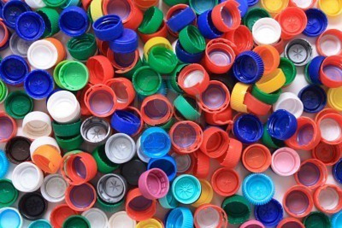 Carrascal del r o tapones de pl stico por silla de ruedas for Tapas de plastico
