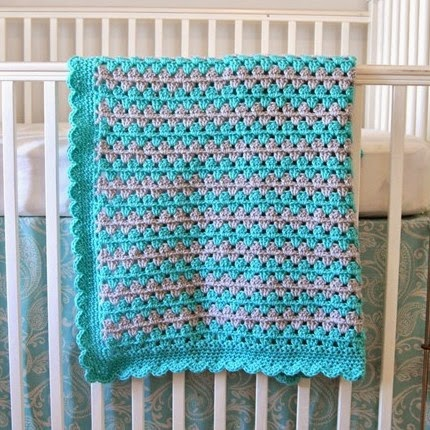 Granny Stripe Blanket Tutorial: Scalloped Border