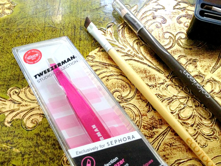 eyebrow-tools, brow-tweezers, slanted-brow-brush