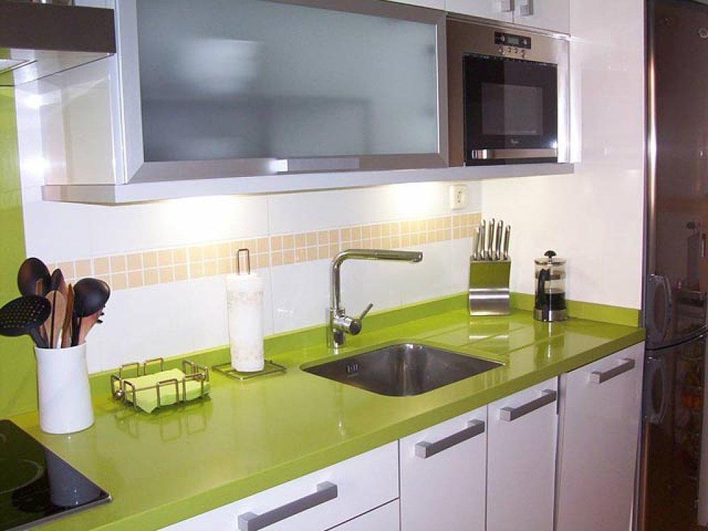 Montaje de encimeras Compac | Cocinas Zaragoza | Astilo Cocinas