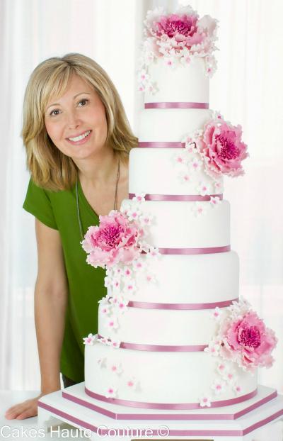 tarta de boda con peonías de azúcar