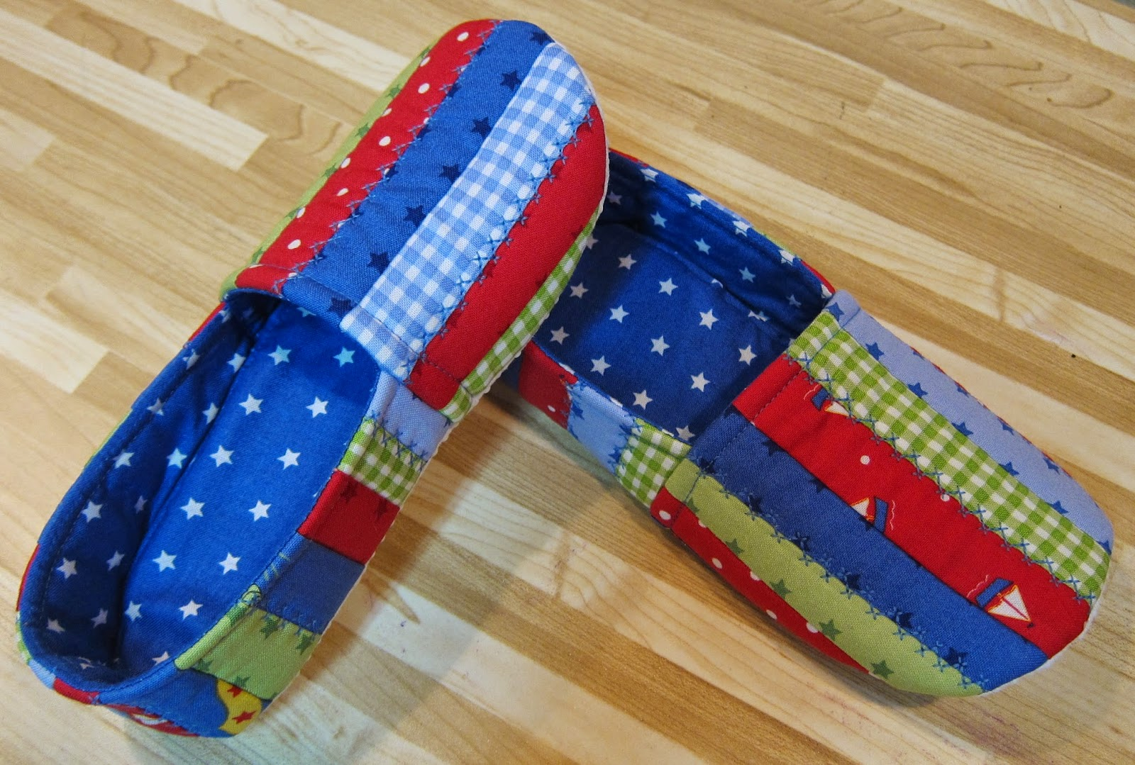 Cool Cats and Quilts: Quilted Slippers, Jack & Jill Slippers ... : quilted slippers pattern - Adamdwight.com