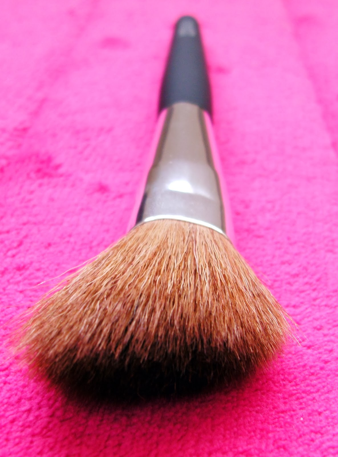 Bargain Barbara Daly Blusher Makeup Brush from Tesco