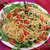 http://villa-kunta-bunt.blogspot.de/2015/06/rucola-tomaten-knoblauch-spaghetti-oder.html