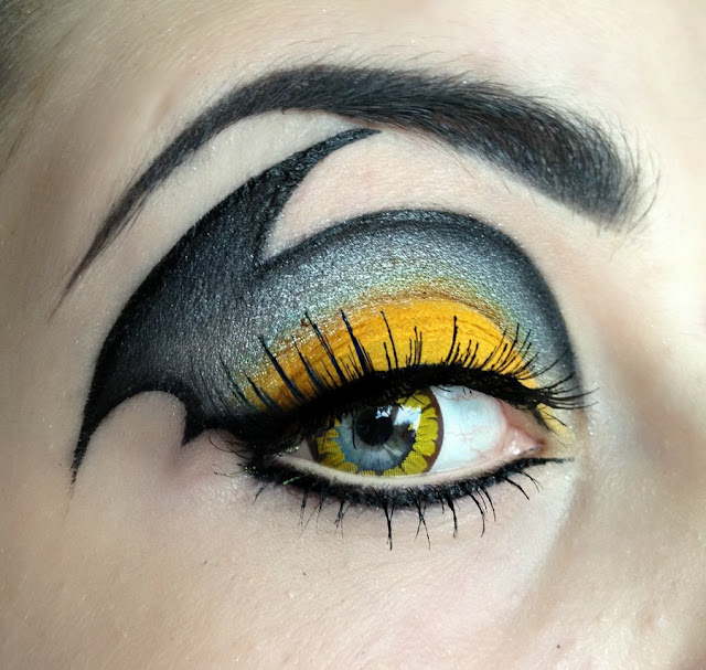 Beautiful Black and Yellow Eye Makeup