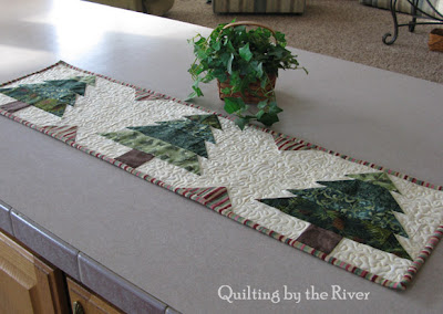 Table runner tutorial at Freemotion by the River