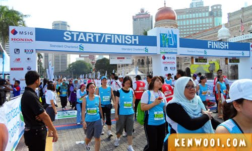kl marathon 2012 finishing line