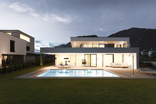 Average sized modern home with swimming pool