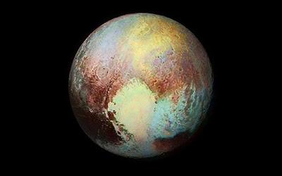 Hipernovas: 23 Fatos Incríveis a Respeito de Plutão [Lista]