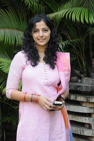 Nishanthi Evani sexy look
