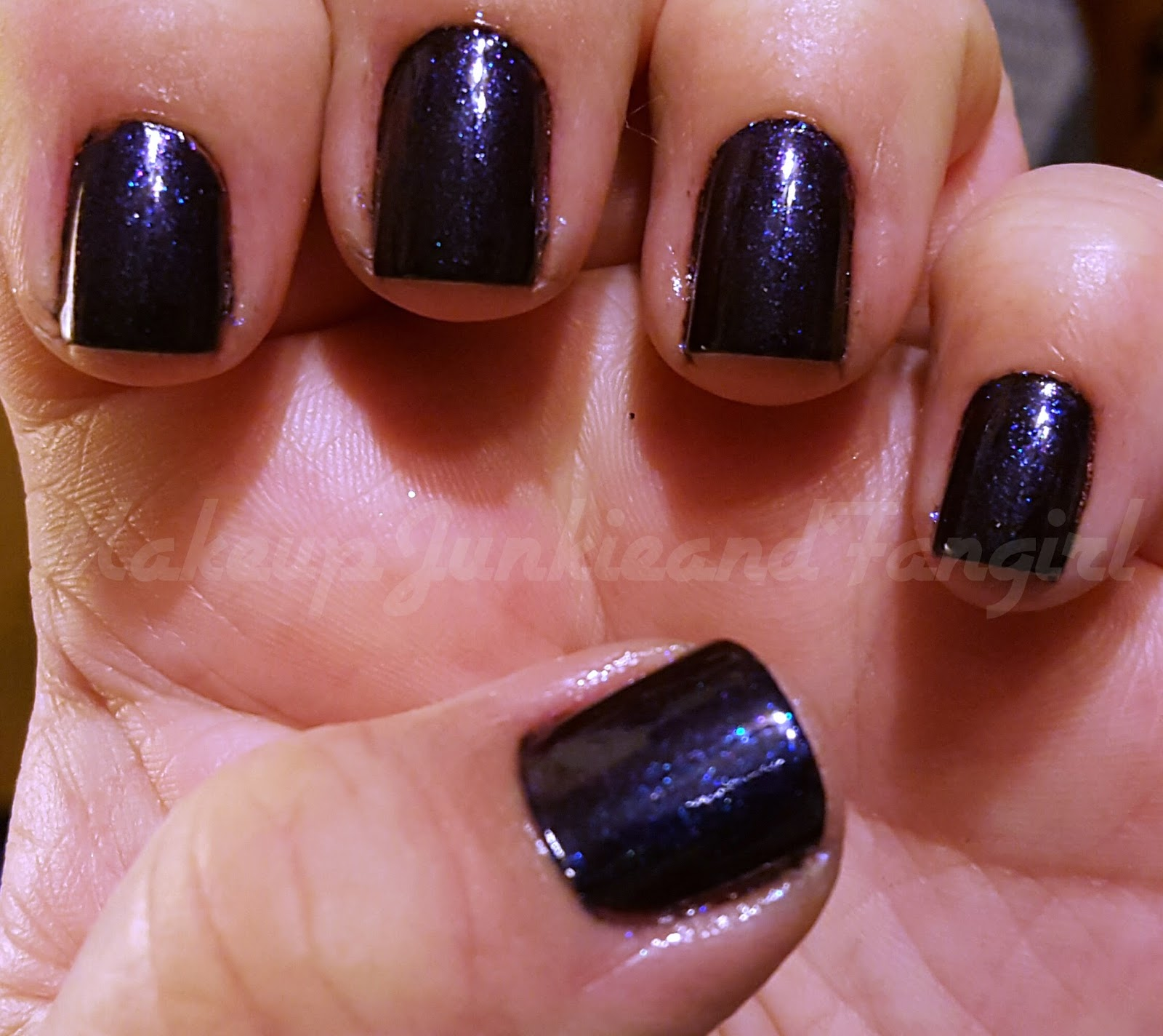 Avon Chrome Nail Powder: Makeup Junkie And Fangirl: Cosmo With A Twist Mani