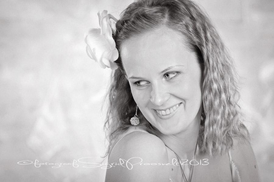 pruut-portreefoto-mustvalge