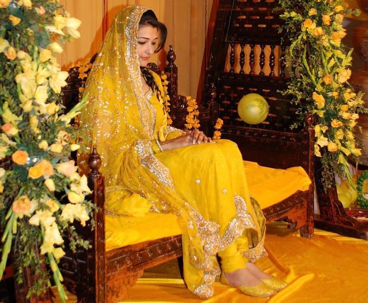 Indian Pakistani Latest Bridal Mehndi Dresses 2013-2014