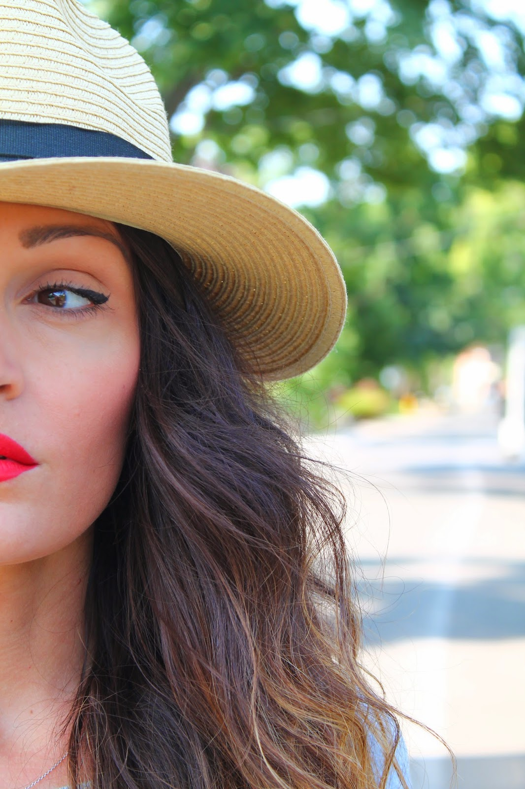summer hat, hat, panama hat, ripped jeans, summer outfit, how to style a panama hat, scarlet lips, blogerke, moda, ulicna moda, canadian fashion blogger, toronto street style