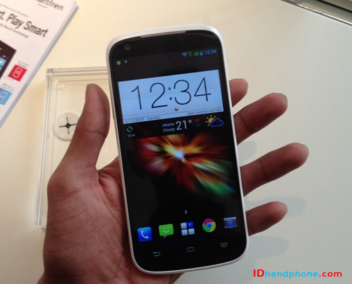 Smartfren Andromax V, Jelly Bean Quad Core CDMA-GSM Kamera 8MP