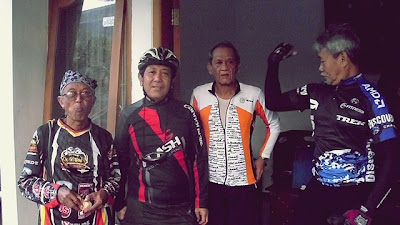 Dari kiri : Pa Guru, Pa Yayan, Pa Didin, Pa Memet