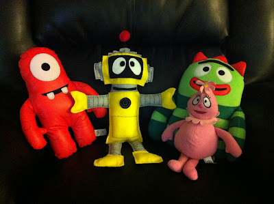 Step by step instructions on how to make your own felt Plex doll from Yo Gabba Gabba www.thebrighterwriter.blogspot.com