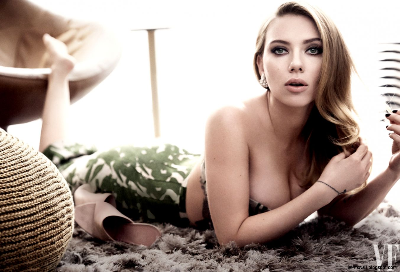 Scarlett Johansson Height and Weight Stats