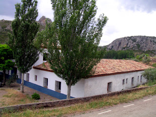 Moncayo: Albergue de Calcena; Calcena; Calcenada