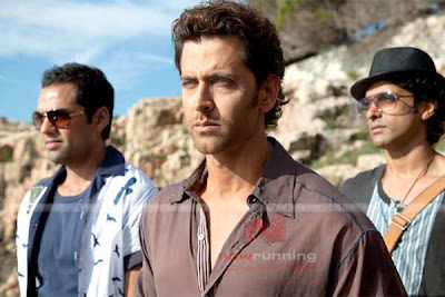 Abhay Deol, Hritik Roshan and Farhan Akthar in Zindagi Milegi Na Dobara