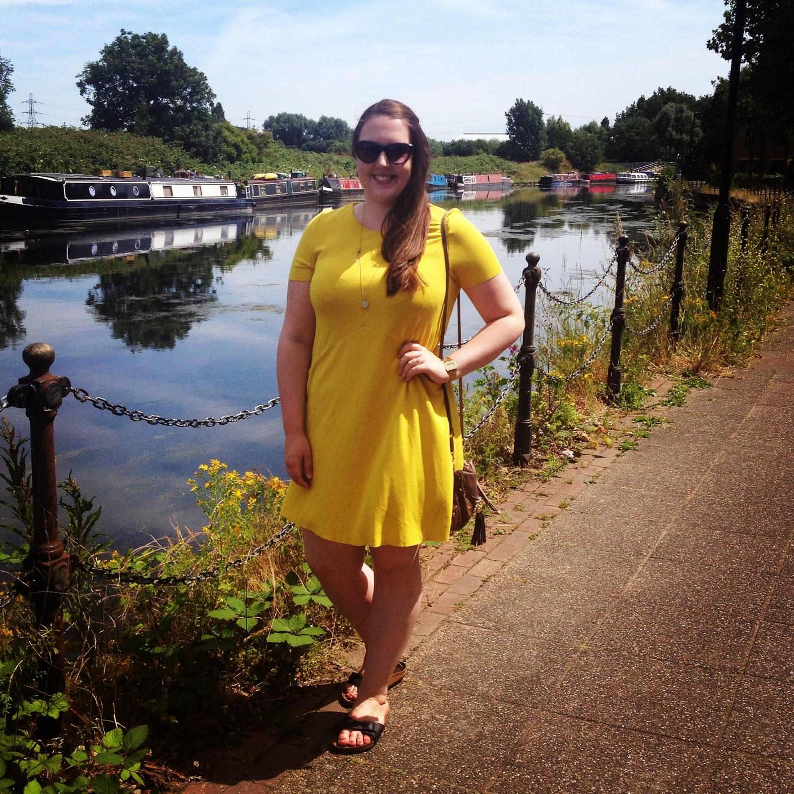 yellow dress near me bank