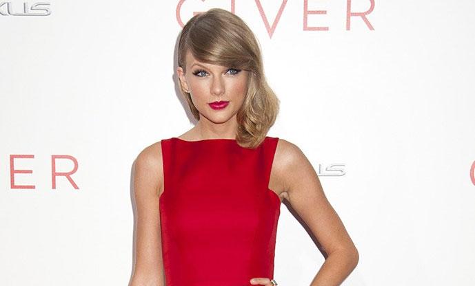 Os Melhores Looks de Cabelos e Maquilhagem de Taylor Swift