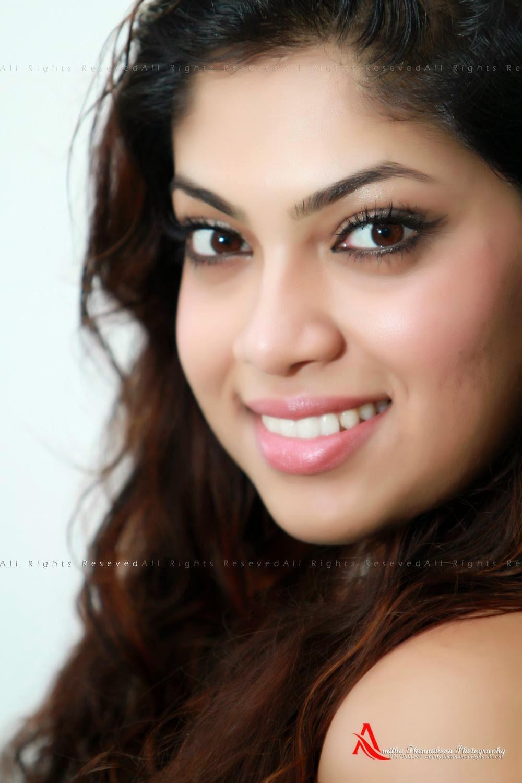 Raini Charuka Goonatillake sl singer