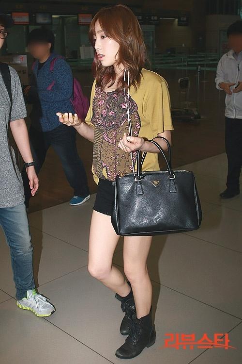 {120701} Taeyeon @ Incheon Airport Tumblr_m6gojxGAsM1rw6orbo1_500