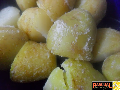 http://tiaclacla.blogspot.com.es/2013/11/papas-saladas.html