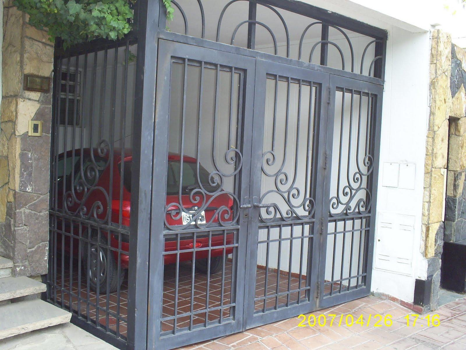 Ideas forja realizamos trabajos tales como puertas for Modelos de portones de hierro