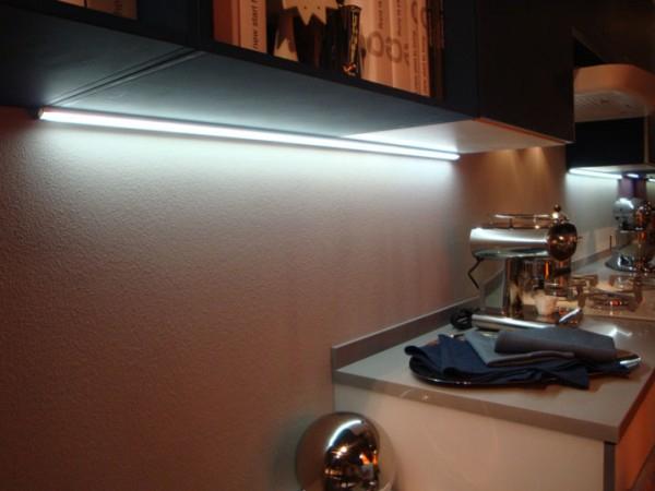 Regletas iluminacion ba o - Iluminacion muebles cocina ...