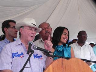 Hipólito Mejía 50% y Danilo Medina 39%, según encuesta sobre preferencias electorales