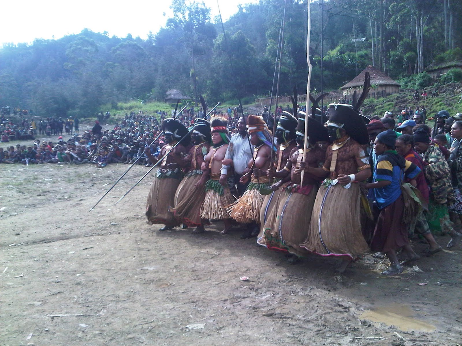 province of enga Enga is the highest and is the second most rugged province (after simbu province) in papua new guinea it covers an area of 12,800 km it covers an area of 12,800 km much of the province is at altitudes of over 2000 meters.