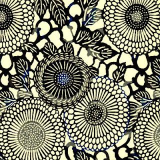 http://www.monuniverspapier.fr/papier-japonais-chiyogami-yuzen/399-papier-japonais-chiyogami-yuzen-fond-naturel-impression-de-rosaces-noires-et-bleues.html