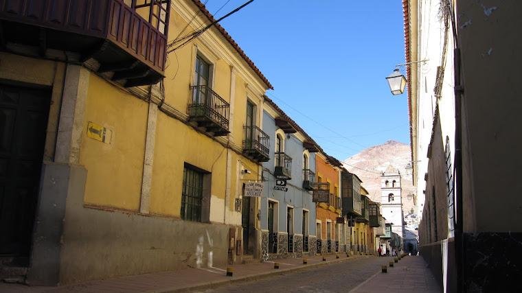 calle Tarija- Templo San Francisco, al fondo