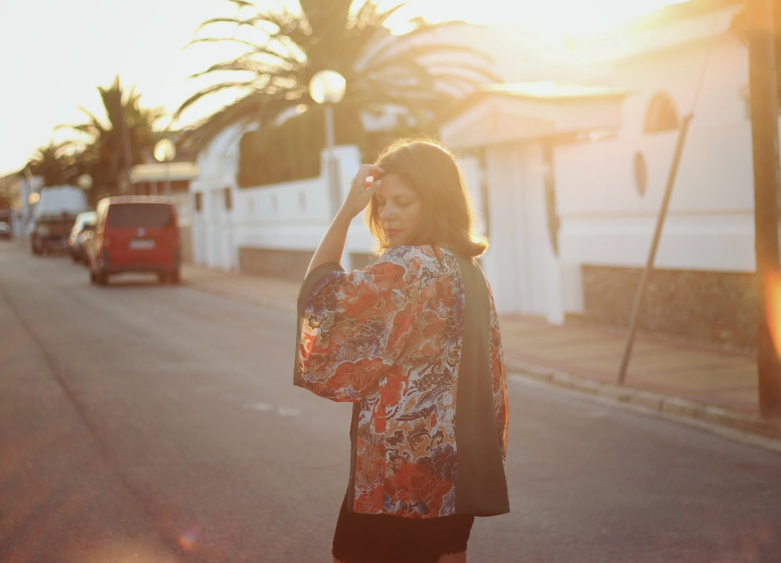 photo-look-street_style-kimono-zara-black_lace_short_h&m